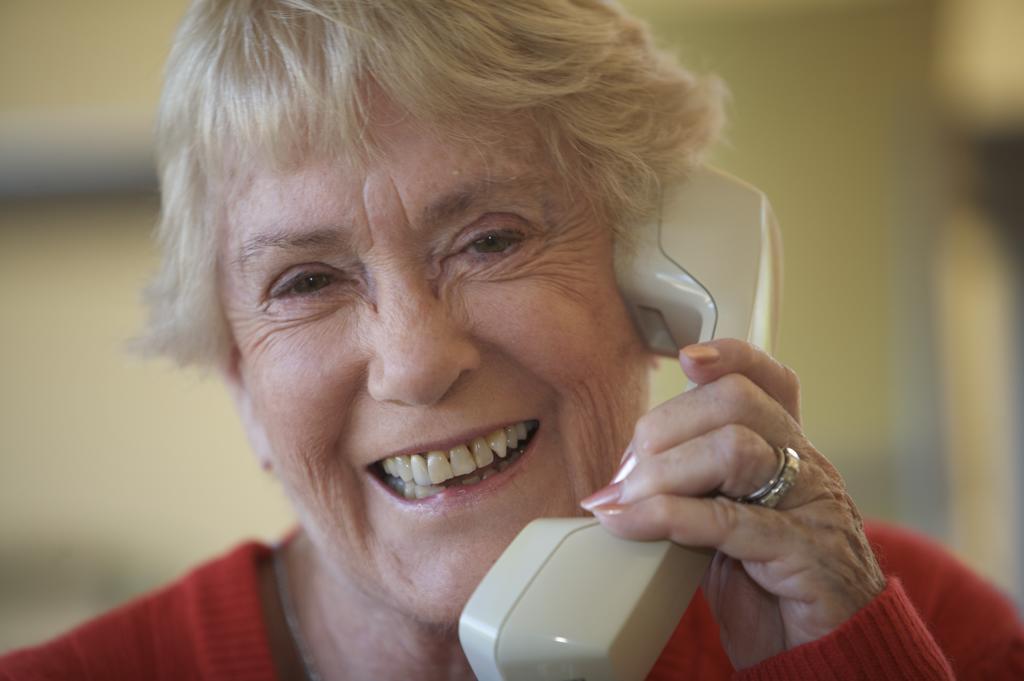 Vrijwilliger Zilverlijn: bellen met ouderen vanuit huis