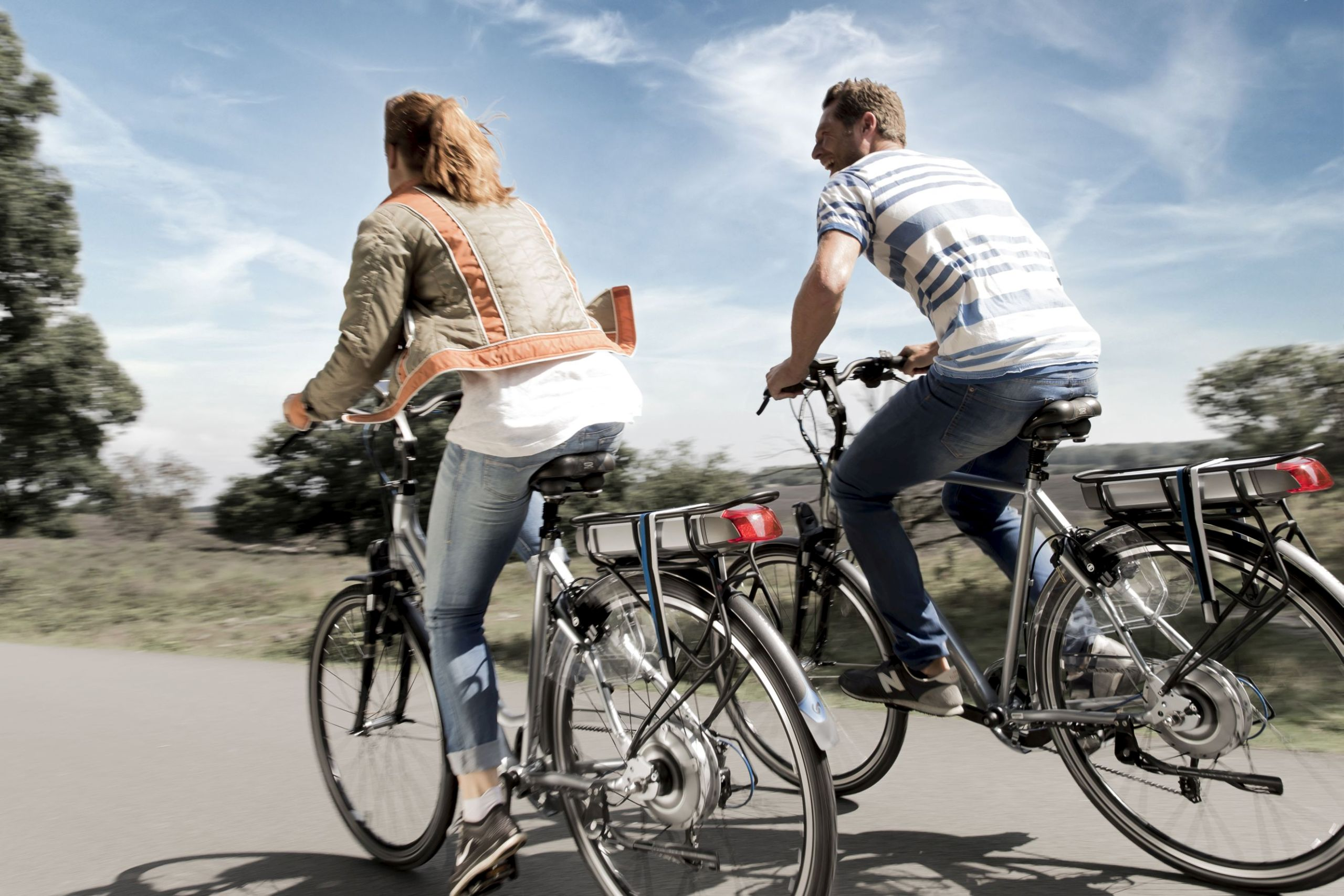 Waarom elektrisch fietsen fit en gelukkig maakt