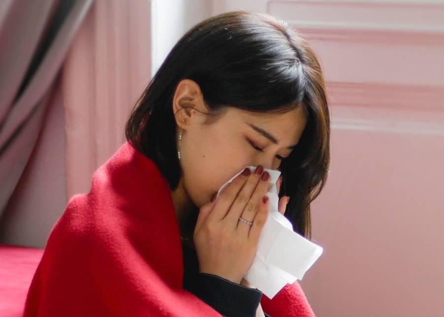 Waarom zeggen we 'gezondheid' als iemand niest?