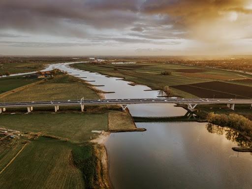 Drinkwaterbedrijven en waterschappen roepen op tot nieuwe kijk op water